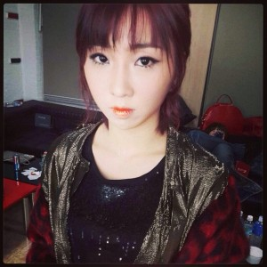 131121-Missing-You-Minzy-Instagram-hair-makeup-1