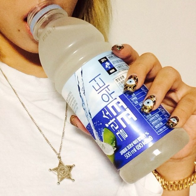 140614_cl-How i start my day#glaceau #cocowater